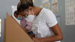 Dominicanos eligen presidente en medio de la pandemia