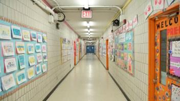 Riesgos y ventajas de que los niños vuelvan a la escuela