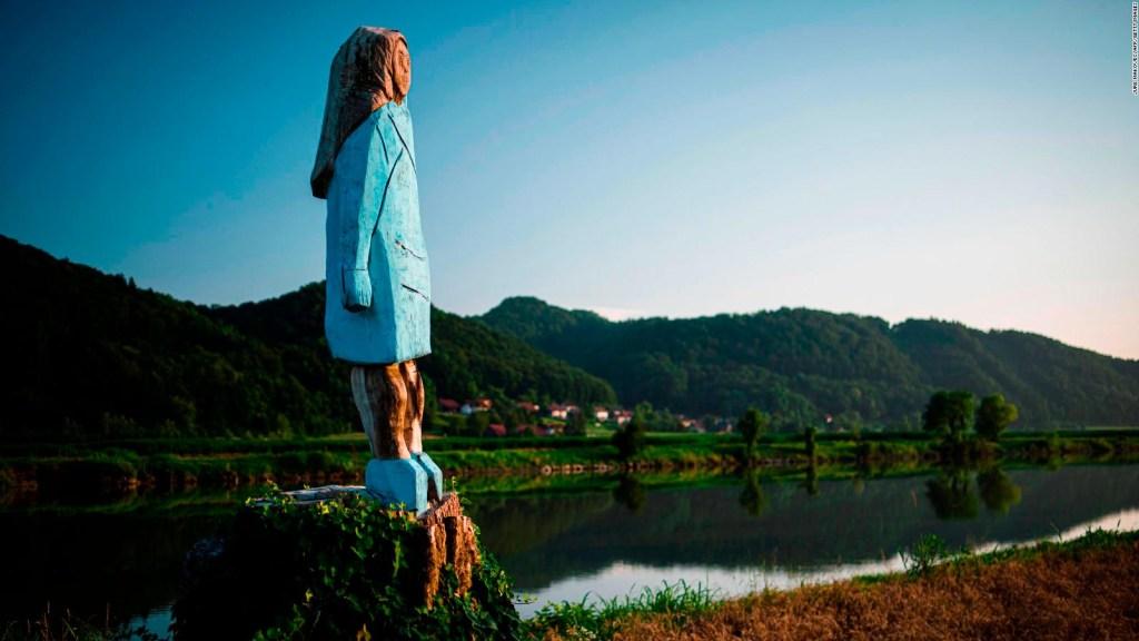 Queman estatua de Melania Trump