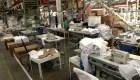 Autoridades cierran fábrica de ropa en California