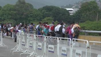 Venezolanos huyen del covid-19 y quedan atrapados en la frontera