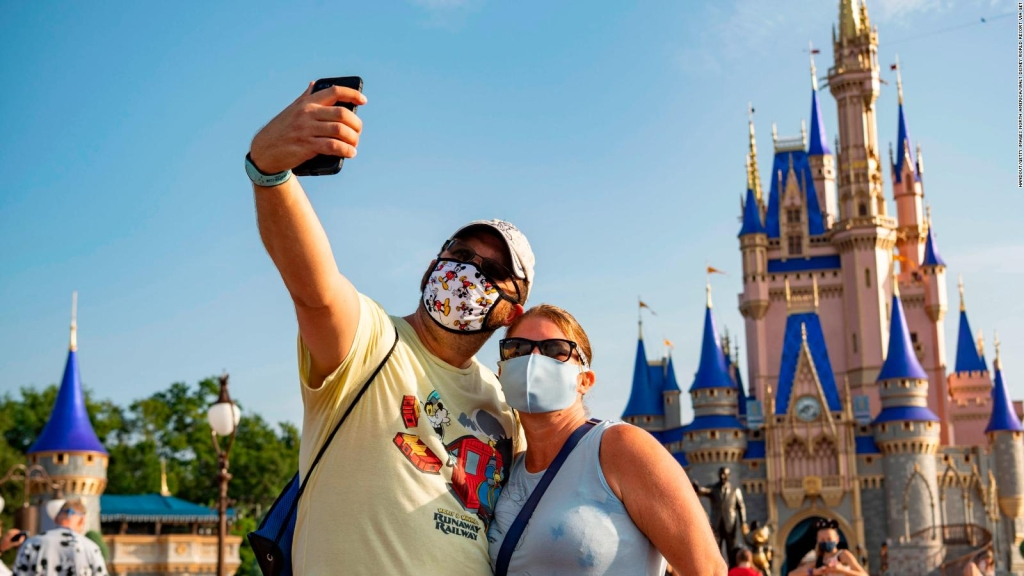 Abigail Disney acusa a Disney de no cuidar a sus empleados