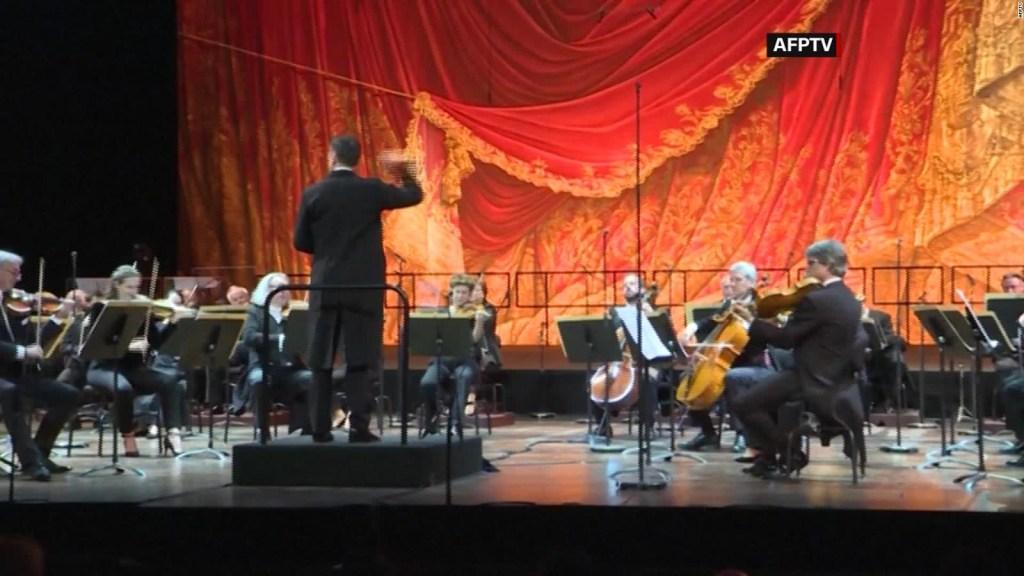 París: Vuelven espectáculos culturales al Palacio Garnier