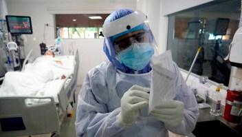 Médicos colombianos alertan posible colapso de UCI