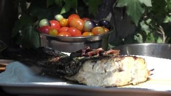 Cómo preparar pescado a las brasas estilo Baja Med