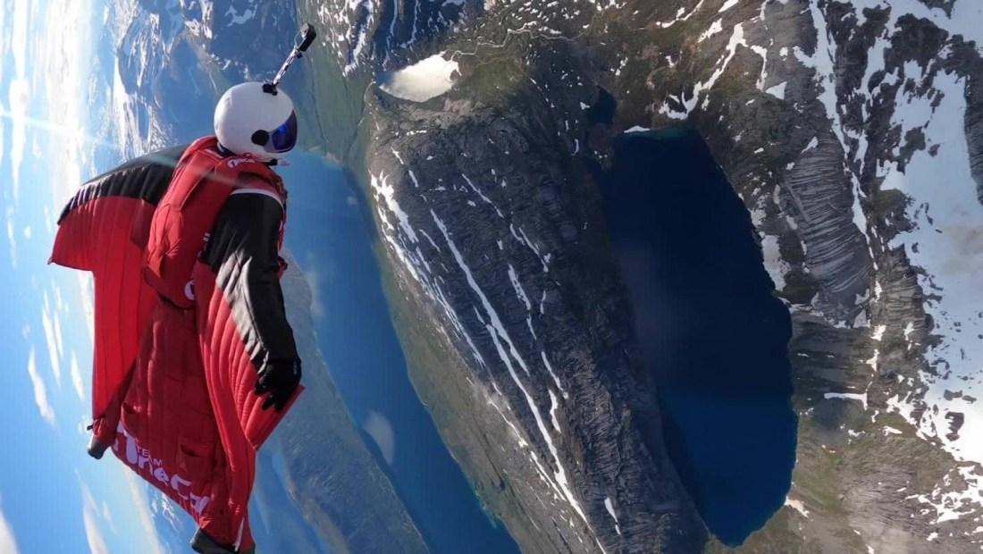 Este paracaidista logra una acrobacia única