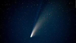 Una mirada al cometa Neowise desde el espacio