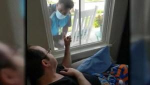 Repartidor de Amazon sorprende a un paciente con cáncer