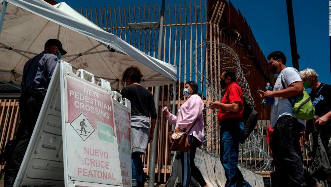 Pacientes mexicanos con covid-19 asisten hospitales de San Diego