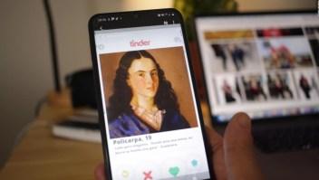 """¿Por qué hay """"perfiles"""" de Tinder de Simón Bolívar y Policarpa Salavarrieta?"""