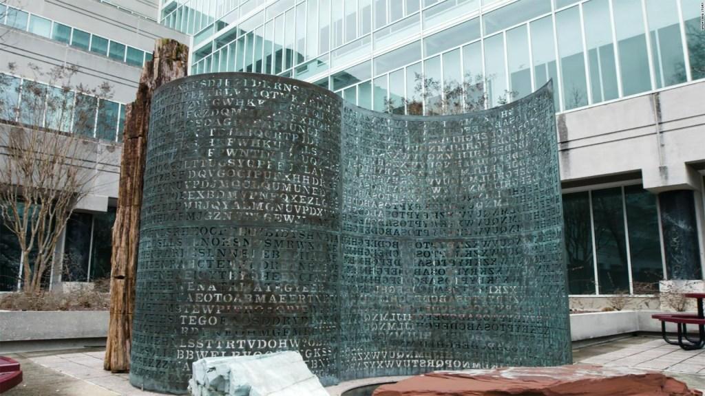 El misterio sin resolver de la escultura Kryptos