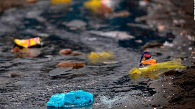 Desechos plásticos en el mar se triplicarían en 20 años