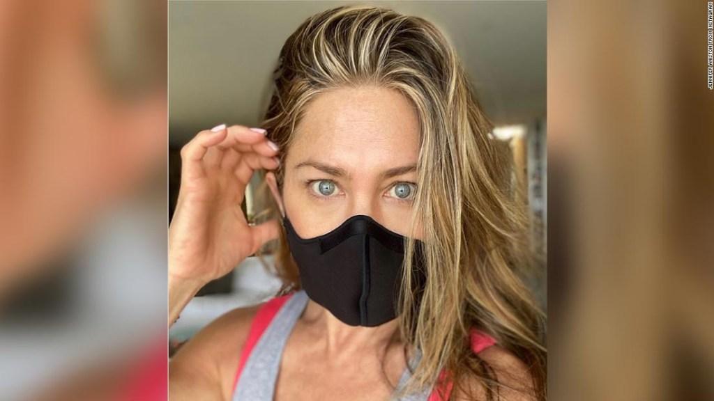 Jennifer Aniston viene con un recordatorio amistoso: 'Usa una maldita máscara'