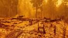 Un peligroso recorrido en medio de incendio en California