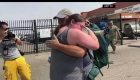 Reencuentros tras evacuaciones por incendios en California
