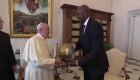 El papa Francisco se reúne con cinco jugadores de la NBA