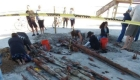 Erosión en playa a causa de Eta devela restos de naufragio en Florida