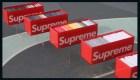 Subastan colección de 253 camisetas de Supreme
