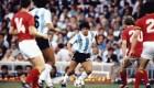 Juan Pablo Varsky le regaló un dibujo a Diego Maradona