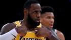 LeBron James acuerda renovar con los Lakers