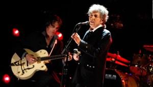 ¿Por qué es tendencia Bob Dylan?