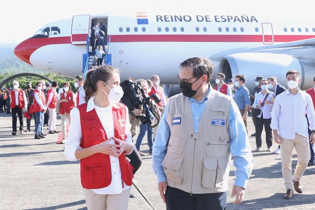 La reina Letizia viajó a Honduras a entregar ayuda humanitaria