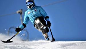 Esquiador paralímpico transforma sillas de ruedas