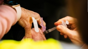 EE.UU. no cumple con su promesa de vacunación de 2020