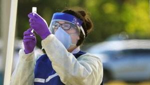FDA: Son necesarias las 2 dosis de la vacuna