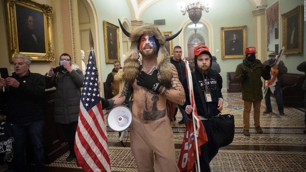 Más cargos para los agitadores que asaltaron el Capitolio