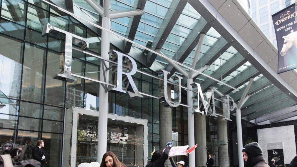 Nueva York se suma a romper los negocios con Trump