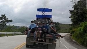 Migrantes hondureños piden a Biden que abra la frontera
