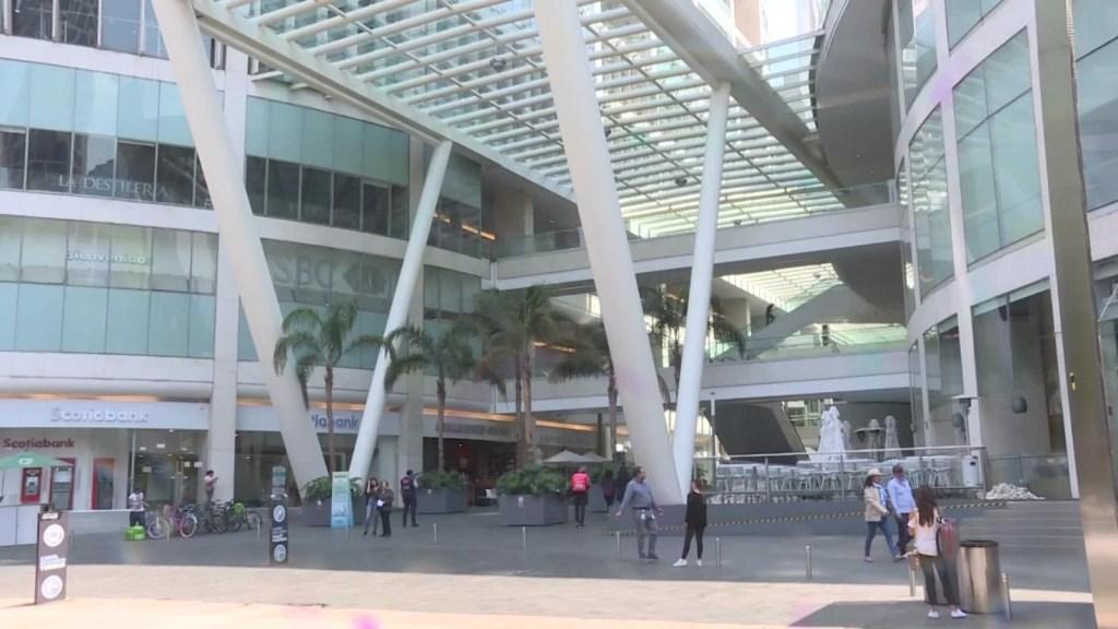 Ciudad de México podría reabrir centros comerciales