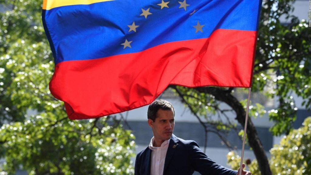 Guaidó se defiende de acusaciones del madurismo