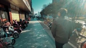 ¿Cómo es vivir en Wuhan un año después del confinamiento?