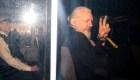Corte de Londres rechaza extraditar a Assange