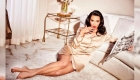 Kim Kardashian presenta nueva línea de ropa de dormir