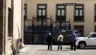 El presidente López Obrador reaparece usando cubrebocas