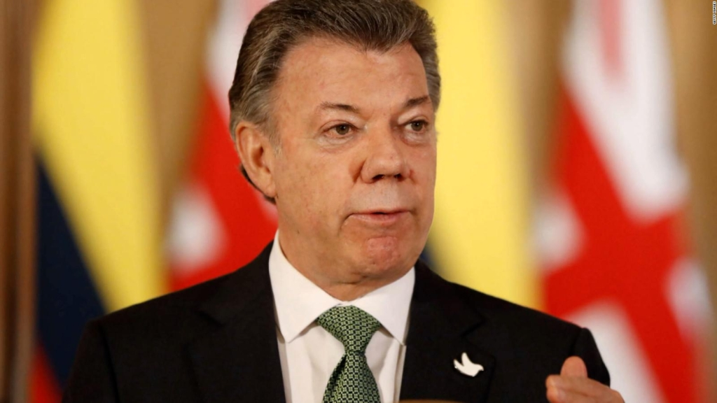 Juan Manuel Santos aboga a favor de Cuba