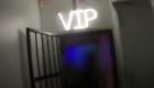 La policía allana un club nocturno ilegal en Inglaterra