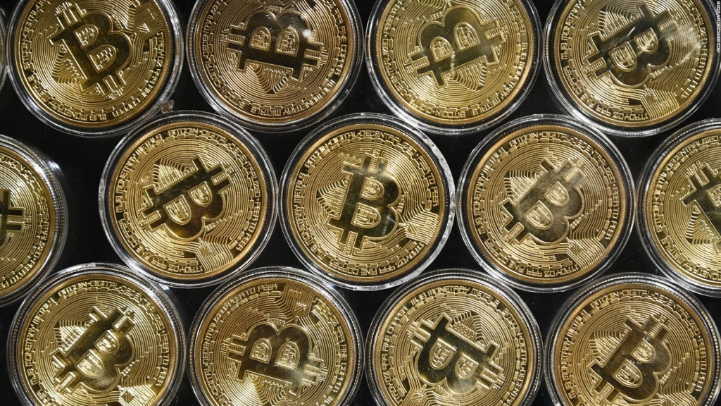 El valor de mercado de bitcoin supera los US$ 1 billón