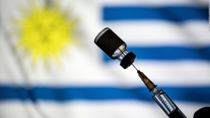 Uruguay recibe su primer cargamento de vacunas