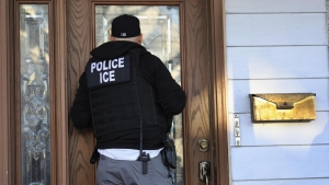 ICE incrementó acuerdos con la policía sin supervisión suficiente