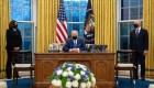 Biden firma decretos sobre reunificación familiar, frontera e inmigración