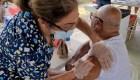 Puerto Rico sufre de escasez de vacunas contra el covid-19