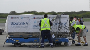 Argentina recibe más vacunas Sputnik V