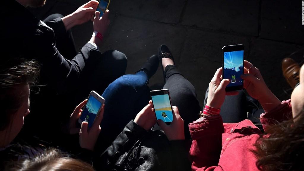 """Los países más """"adictos"""" al celular"""