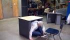 Crean pupitres antibalas para las escuelas de EE.UU.