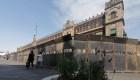 La valla de AMLO que las mujeres convirtieron en monumento