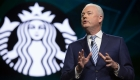 Accionistas de Starbucks rechazan bono para el CEO